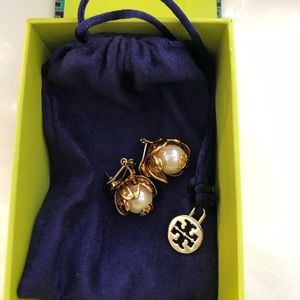 Tory Burch Pearl and Gold Earring